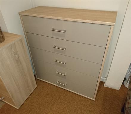 WELLEMOBEL Highlight 5 Drawer Wide Chest