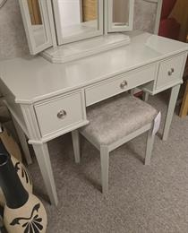 ELEGANCE Dressing Table, Mirror & Stool