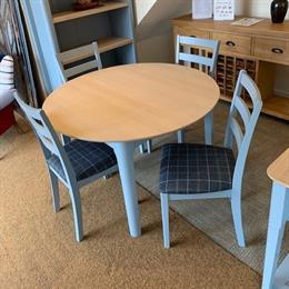 Newark Round Extending Dining Table & 4 Chairs