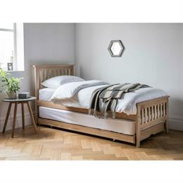 Worcester Guest Bed (in solid oak)