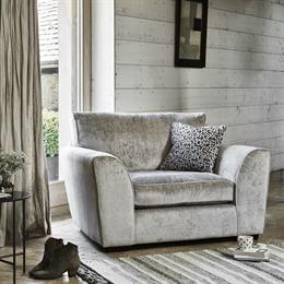 Montana Snuggler Chair