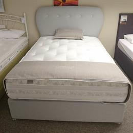 NAKED BEDS 5'0 Essence 2000 Divan Set & Headboard