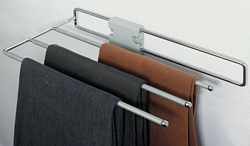 Pull-out trouser rack