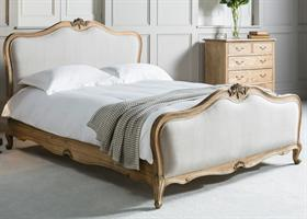 Chic Bed With Natural Cotton Linen