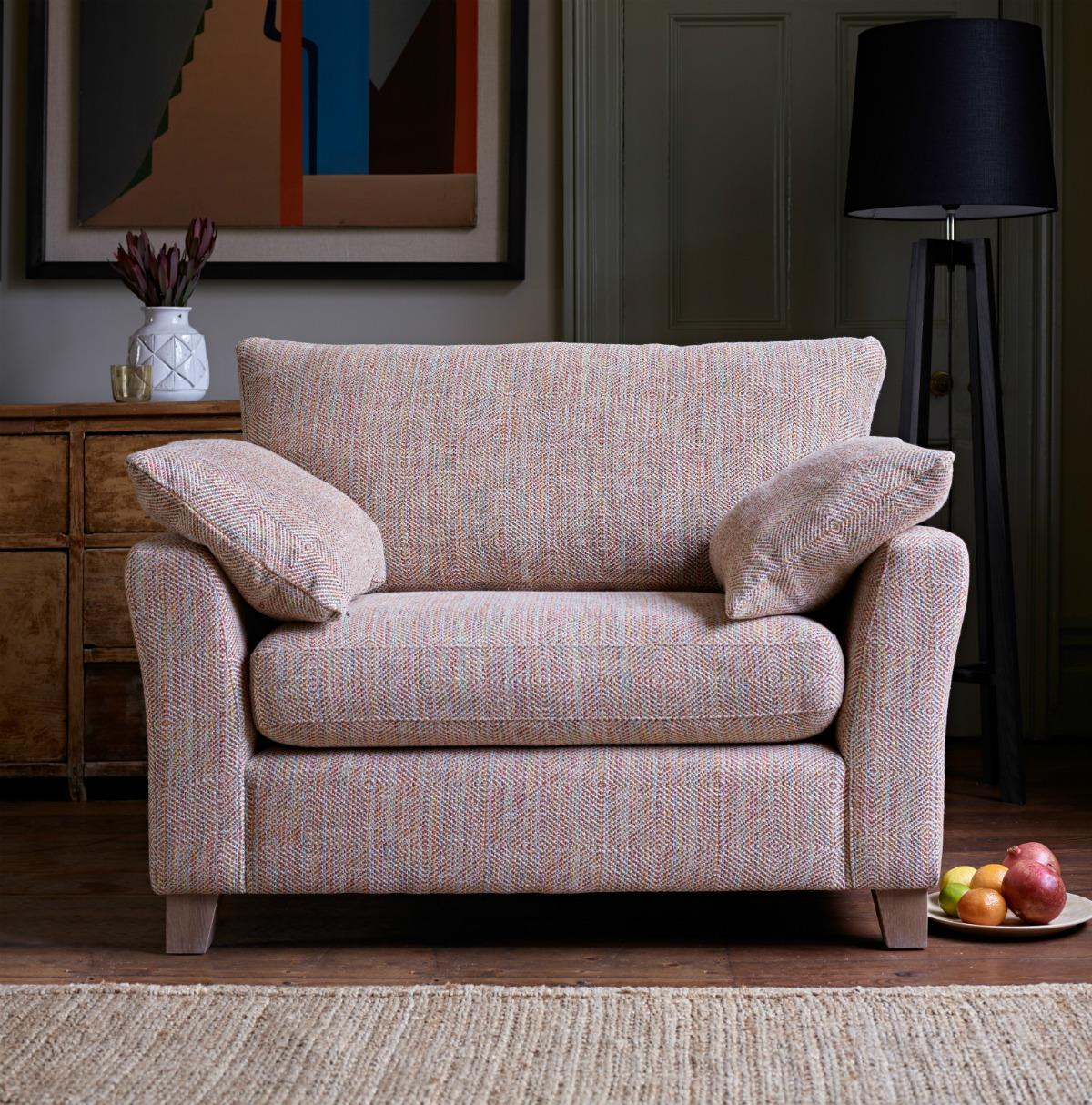 HOWARTH - Love Seat