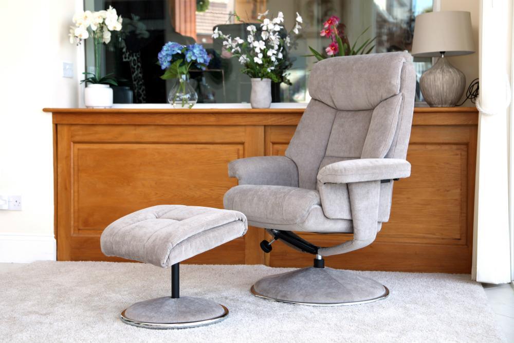 BIARRITZ - Swivel Chair and stool