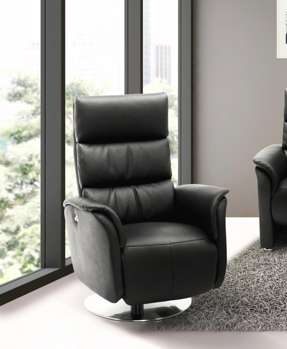 JUTLAND Leather Swivel Chair