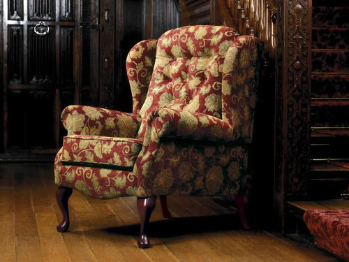LYNTON - Fireside Chair