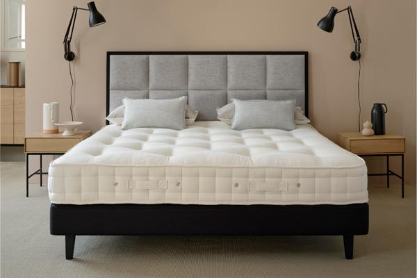 Hypnos - Cotton Origin 8 Mattress & Base