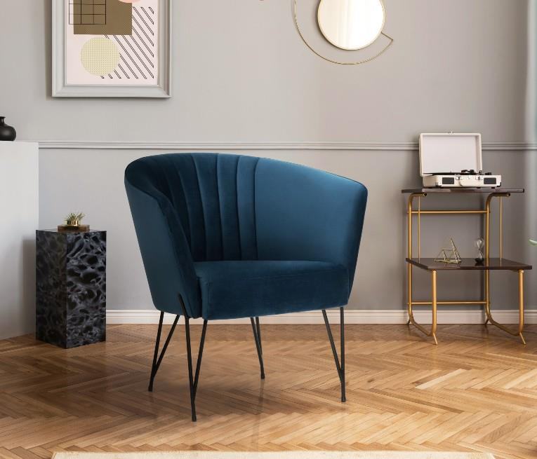 3435 Tub Chair - Metal leggs