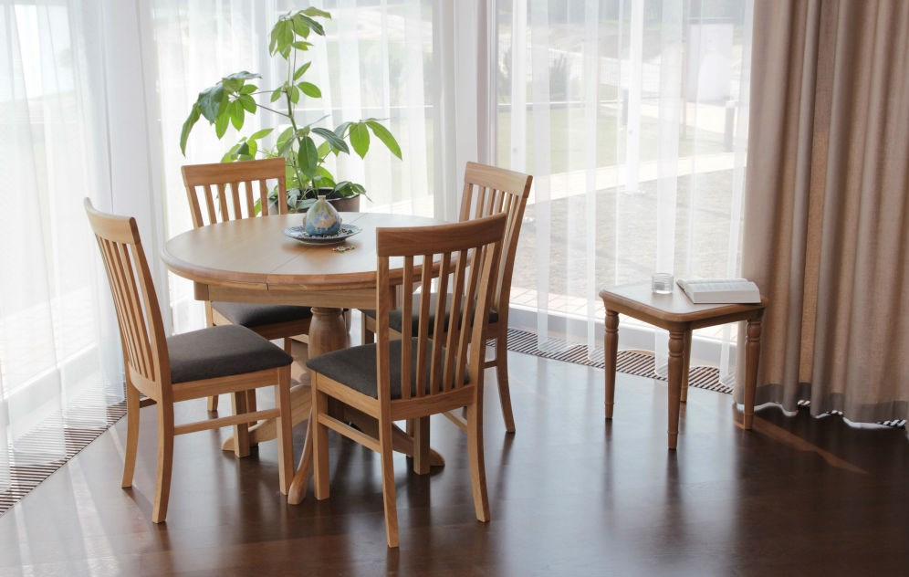 LAMONT Dining Collection by TCH