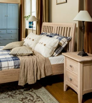 NEW ENGLAND Bedroom by TCH