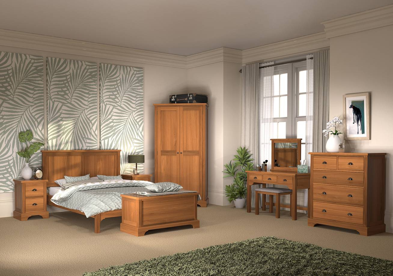 HAMPTON COURT Oak Bedroom Furniture