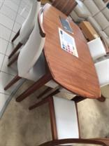 Klose - Copenhagen - Extending Table and Chairs